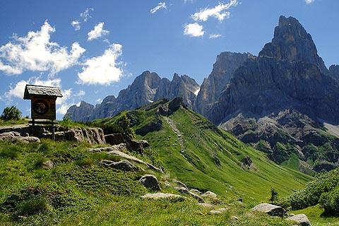 Dolomites italy stunning mountain scenery in the for Mobilificio trentino alto adige