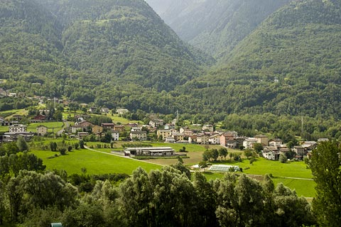 Explore the Valtellina region of Italy, with mountains and ...