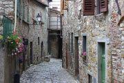quiet-alleyway