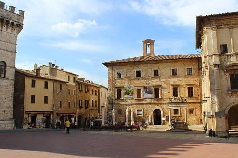 Piazza Grande with Strada del Vino in Montepulciano