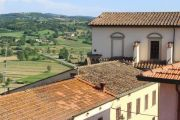view-to-tuscan-contryside