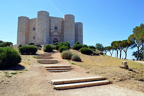 Photo de Castel del Monte (Puglia region)