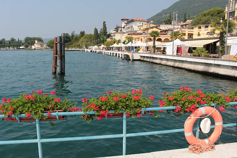 Photo de Gardone Riviera in Lake Garda (Lombardy region)