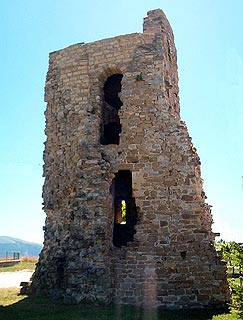 Remaining tower of castle at Gualdo Tadino