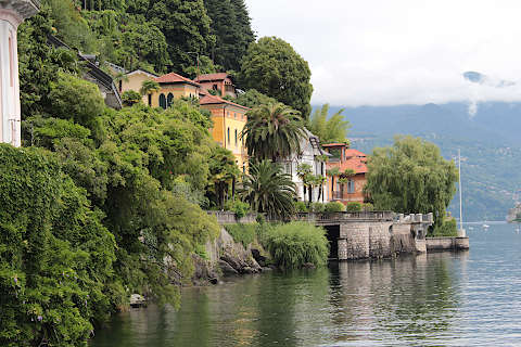 Villas along Lake Maggiore in Cannero Riviera