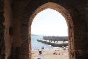 beach-through-arch