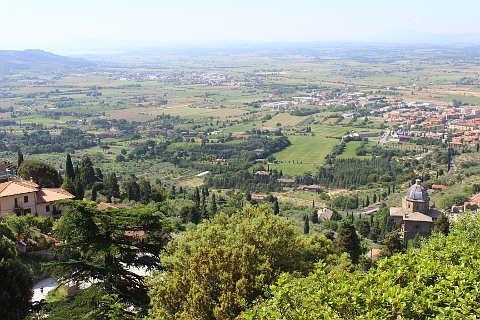 Cortona, Italy: travel guide to the Tuscany hill town of Cortona