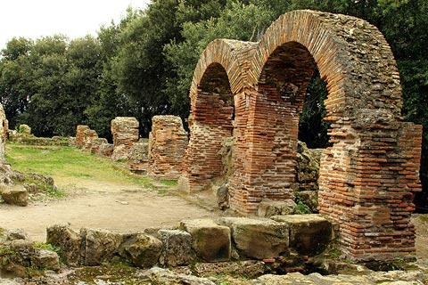 arches remaining from ancient roman building