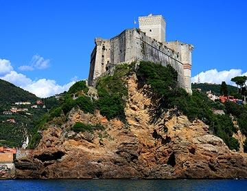castle overlooking Lerici harbour