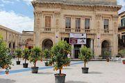theatre-piazza-XVI-maggio