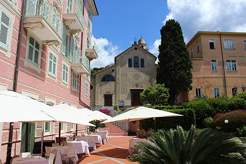 church and cafe in Rapallo town centre