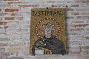 plaque-justinian