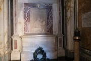 tomb-interior-2