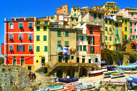 Colourful houses in harbour at Riomaggiore