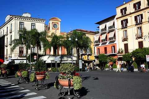 the main square in Sorrento town centre