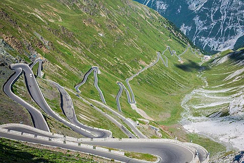 winding road of Stelvio Pass